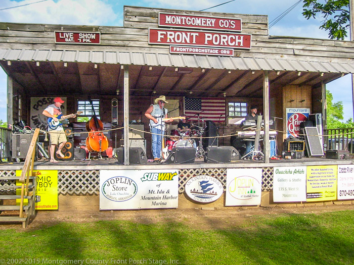 Mike Mayberry and The Slow Hands entertained the Good Ol' Days crowd for over 3 hours NONSTOP!