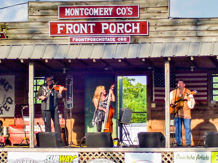 We always love having the Acousticatz on the Front Porch Stage!