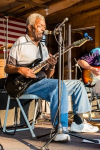 Lawrence Snowden sure can sing the blues!