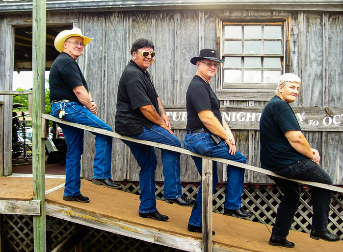 Gator and Friends. Many thanks for coming to the Front Porch Stage!<br/>(Click on this image to view more photos from July 23, 2016.)
